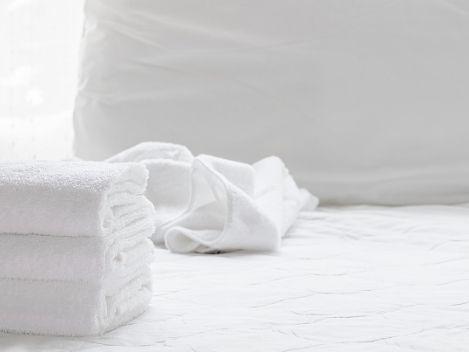 alquiler-vacaciones-miami-platja-servicio-toallas