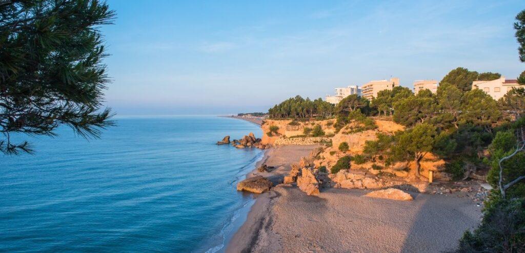 apartamentos-turisticos-playa-calas-miami-platja