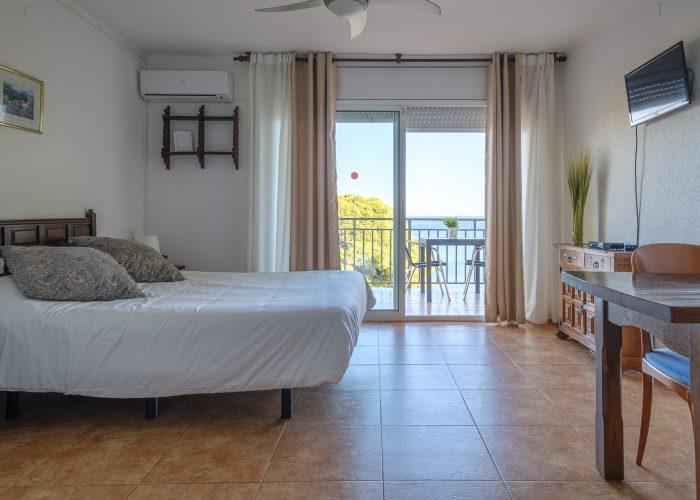 alquiler-estudio-costa-dorada-estudio-12-habitacion-interior