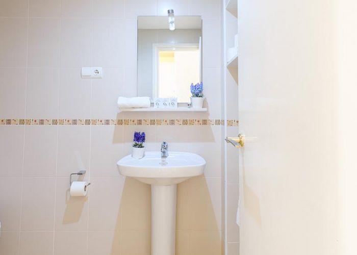 alquiler-estudio-costa-dorada-estudio-19-lavabo