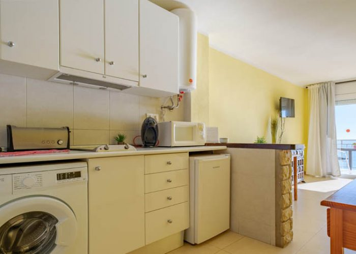 apartamento-alquiler-costa-dorada-cocina