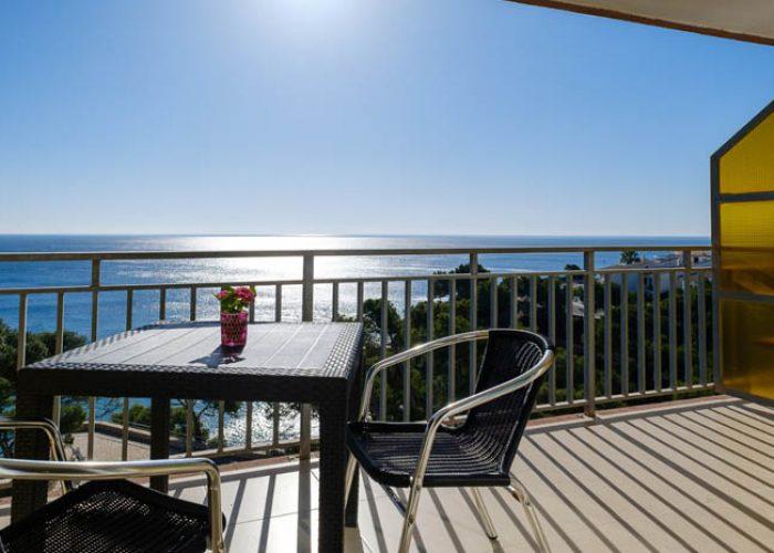 apartamento-alquiler-costa-dorada-terraza