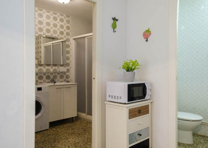 apartamento-turistico-playa-habitacion-banos