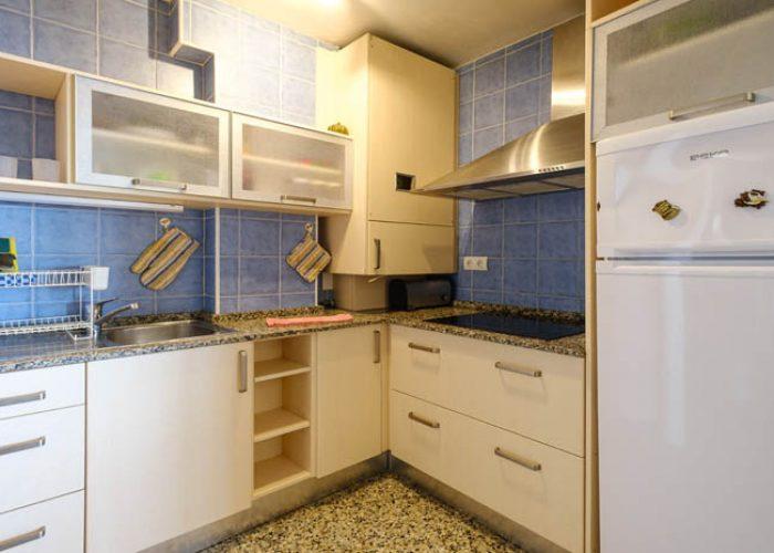 apartamento-turistico-playa-habitacion-cocina