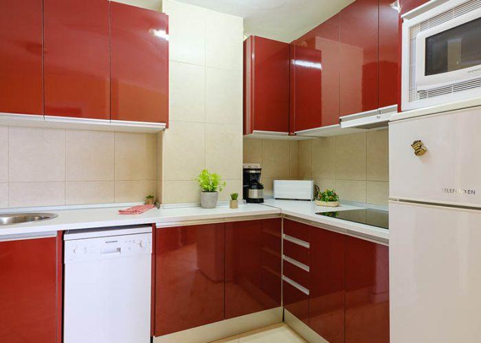 apartamentos-turisticos-playa-apartamento-13-cocina