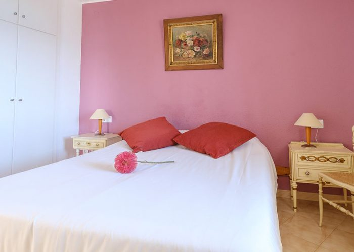 apartamentos-turisticos-playa-apartamento-13-habitacion-matrimonio