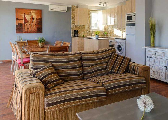 apartamentos-turisticos-playa-apartamento-14-sofa