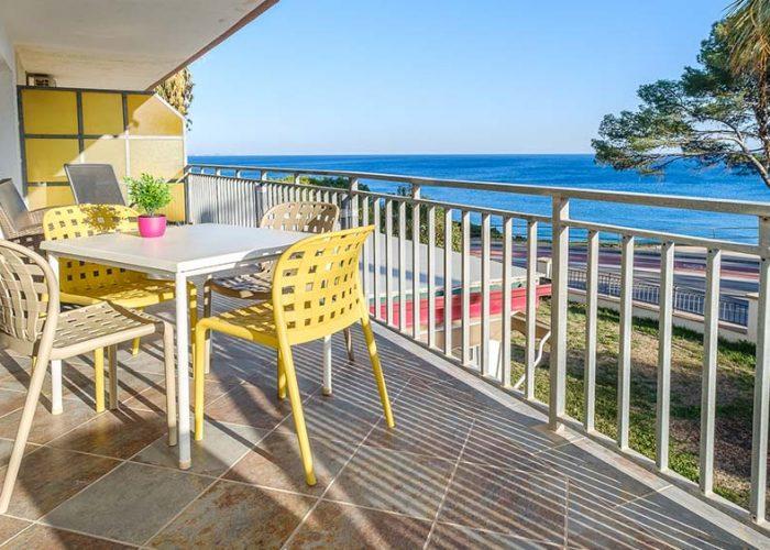 apartamentos-turisticos-playa-apartamento-14-terraza