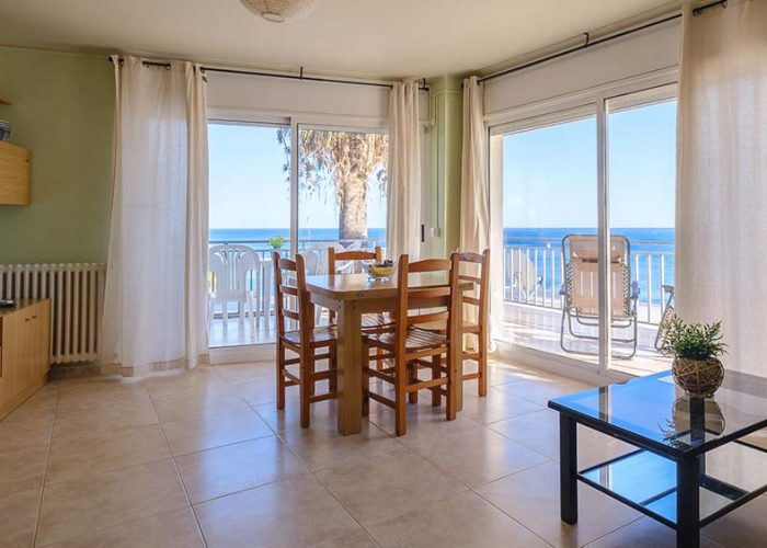 apartamentos-turisticos-playa-apartamento-3-salon